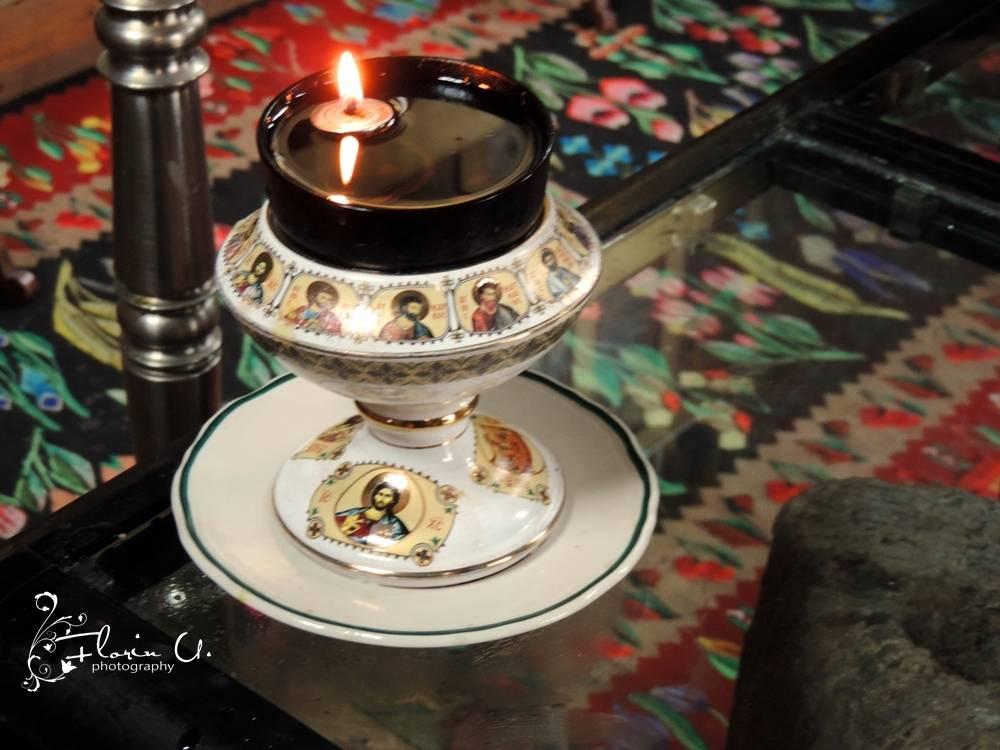 candela la icoana